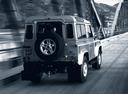 Фото авто Land Rover Defender 1 поколение, ракурс: 225 цвет: серебряный