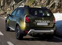 Фото авто Renault Duster 1 поколение [рестайлинг], ракурс: 135 цвет: зеленый