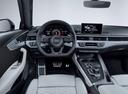 Фото авто Audi RS 4 B9, ракурс: торпедо