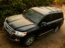 Фото авто Toyota Land Cruiser J200 [2-й рестайлинг], ракурс: 45 цвет: черный