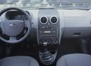 Фото авто Ford Fusion 1 поколение, ракурс: торпедо