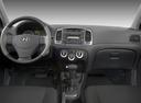 Фото авто Hyundai Accent MC, ракурс: торпедо