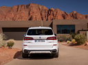 Фото авто BMW X5 G05, ракурс: 180 цвет: белый