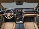 Фото авто Bentley Bentayga 1 поколение, ракурс: торпедо цвет: бронзовый
