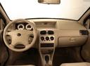 Фото авто Tata Indigo 1 поколение, ракурс: торпедо
