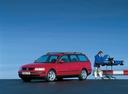 Фото авто Volkswagen Passat B5, ракурс: 45 цвет: красный