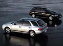 Фото авто Subaru Impreza 1 поколение, ракурс: 135 цвет: серебряный