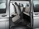 Фото авто Volkswagen Caravelle T6, ракурс: задние сиденья цвет: серый