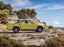 Фото авто Mercedes-Benz X-Класс 1 поколение, ракурс: 270 цвет: салатовый