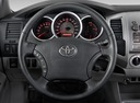 Фото авто Toyota Tacoma 2 поколение [рестайлинг], ракурс: рулевое колесо