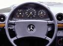 Фото авто Mercedes-Benz E-Класс W123, ракурс: приборная панель