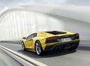 Фото авто Lamborghini Aventador 1 поколение [рестайлинг], ракурс: 135 цвет: желтый