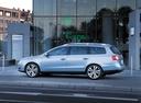 Фото авто Volkswagen Passat B6, ракурс: 90 цвет: серебряный
