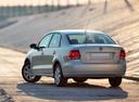 Фото авто Volkswagen Polo 5 поколение, ракурс: 135 цвет: серебряный