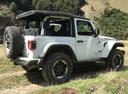 Фото авто Jeep Wrangler JL, ракурс: 225 цвет: белый