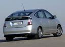 Фото авто Toyota Prius 2 поколение, ракурс: 225 цвет: серебряный