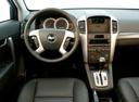 Фото авто Chevrolet Captiva 1 поколение, ракурс: торпедо