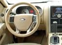 Фото авто Ford Explorer 4 поколение, ракурс: рулевое колесо