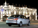 Фото авто Nissan Almera G11, ракурс: 225 цвет: серебряный