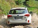 Фото авто Subaru Outback 4 поколение, ракурс: 180 цвет: белый