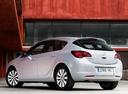 Фото авто Opel Astra J [рестайлинг], ракурс: 135 цвет: белый
