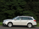 Фото авто Subaru Outback 4 поколение, ракурс: 90 цвет: белый