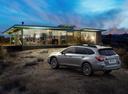 Фото авто Subaru Outback 5 поколение, ракурс: 135 цвет: бежевый