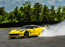 Фото авто Chevrolet Corvette C7, ракурс: 45 цвет: желтый