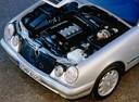 Фото авто Mercedes-Benz E-Класс W210/S210 [рестайлинг], ракурс: двигатель
