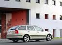 Фото авто Skoda Octavia 2 поколение, ракурс: 225 цвет: бежевый