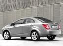 Фото авто Chevrolet Aveo T300, ракурс: 135 цвет: серебряный