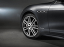 Фото авто Maserati Ghibli 3 поколение [рестайлинг], ракурс: колесо цвет: серый