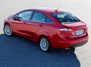 Фото авто Ford Fiesta 6 поколение [рестайлинг], ракурс: 135 цвет: красный