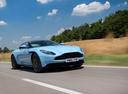 Фото авто Aston Martin DB11 1 поколение, ракурс: 315 цвет: голубой