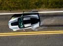 Фото авто Chevrolet Corvette C7, ракурс: сверху цвет: серебряный