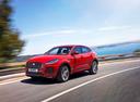 Фото авто Jaguar E-Pace 1 поколение, ракурс: 45 цвет: красный