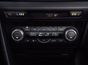Фото авто Mazda 3 BM, ракурс: центральная консоль