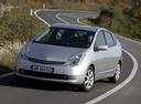 Фото авто Toyota Prius 2 поколение, ракурс: 45 цвет: серебряный