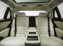 Фото авто Lexus LS 5 поколение, ракурс: задние сиденья