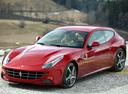 Фото авто Ferrari FF 1 поколение, ракурс: 45 цвет: красный