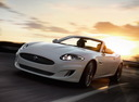 Фото авто Jaguar XK X150 [2-й рестайлинг], ракурс: 45 цвет: белый