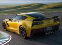 Фото авто Chevrolet Corvette C7, ракурс: 135 цвет: желтый