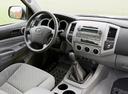 Фото авто Toyota Tacoma 2 поколение, ракурс: рулевое колесо