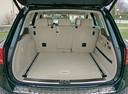 Фото авто Volkswagen Touareg 2 поколение, ракурс: багажник