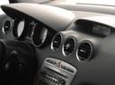 Фото авто Peugeot 308 T7, ракурс: центральная консоль
