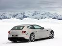 Фото авто Ferrari FF 1 поколение, ракурс: 225 цвет: белый