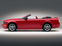 Фото авто Ford Mustang 5 поколение, ракурс: 90 цвет: красный