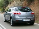 Фото авто Renault Megane 3 поколение, ракурс: 135 цвет: серебряный