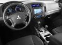 Фото авто Mitsubishi Pajero 4 поколение, ракурс: торпедо