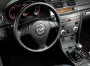 Фото авто Mazda 3 BK, ракурс: рулевое колесо